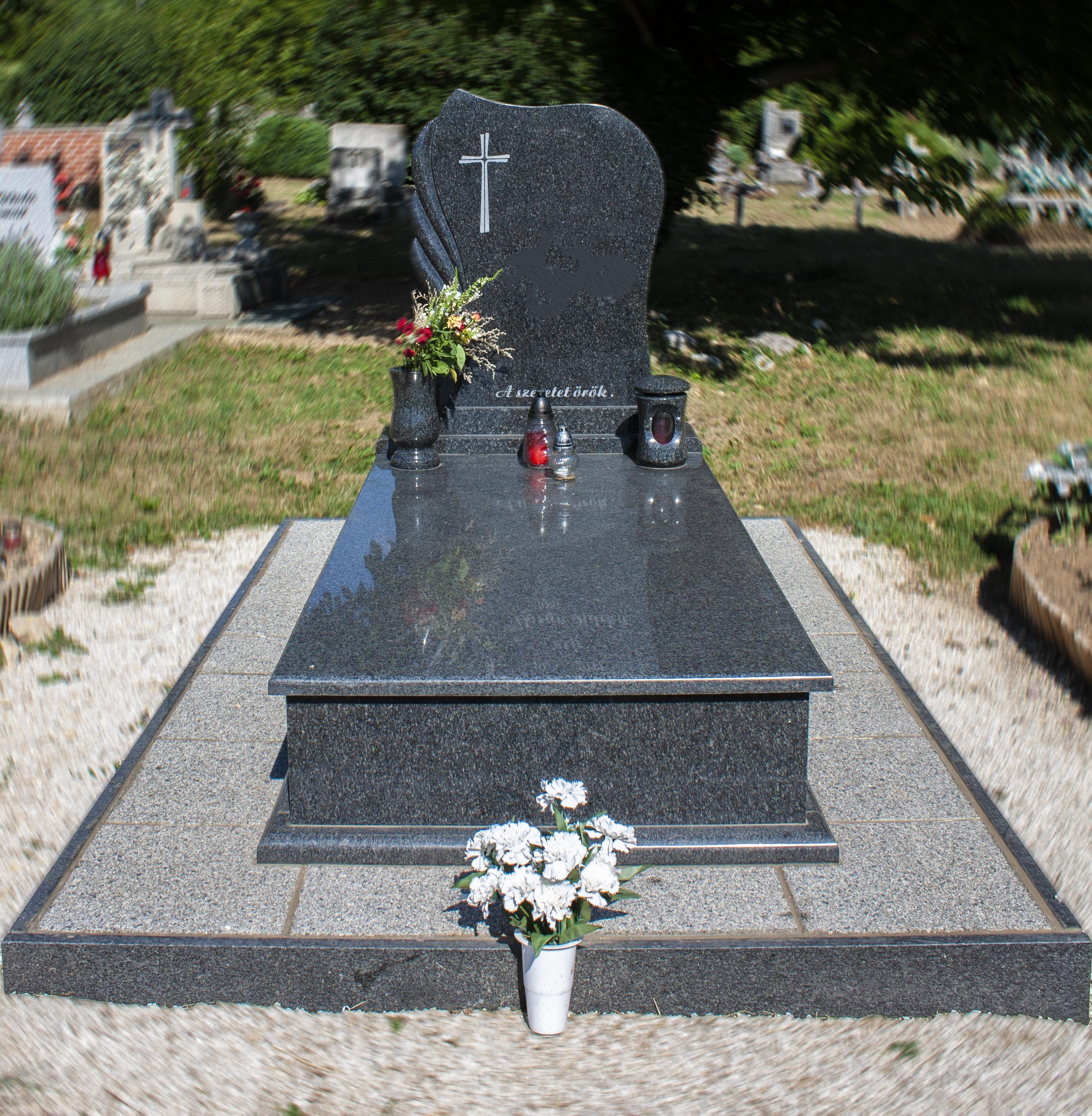 Egyes síremlékek